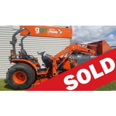 Used Kubota B3030 Tractor with cutting deck and front loader